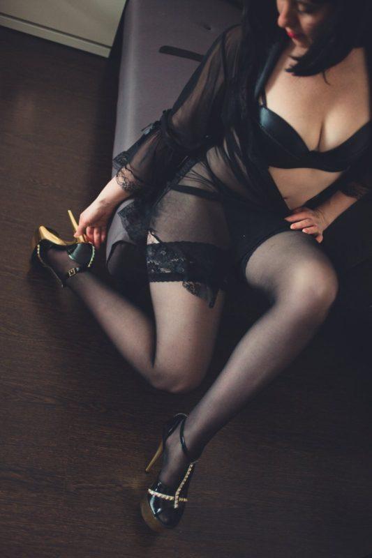 Проститутка Лолита - делаю глубокий минет
