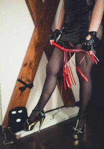 Проститутка индивидуалка Лолита - делаю глубокий минет